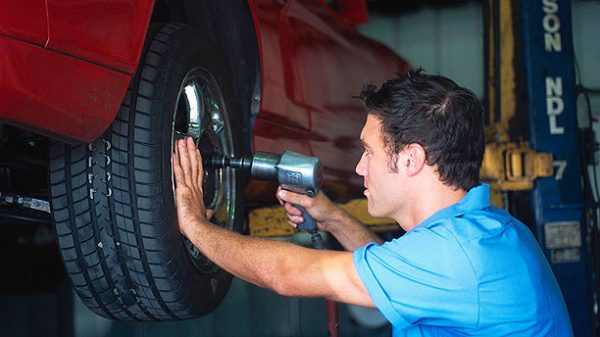 How To Identify and Resolve Alignment Problems In Your Car