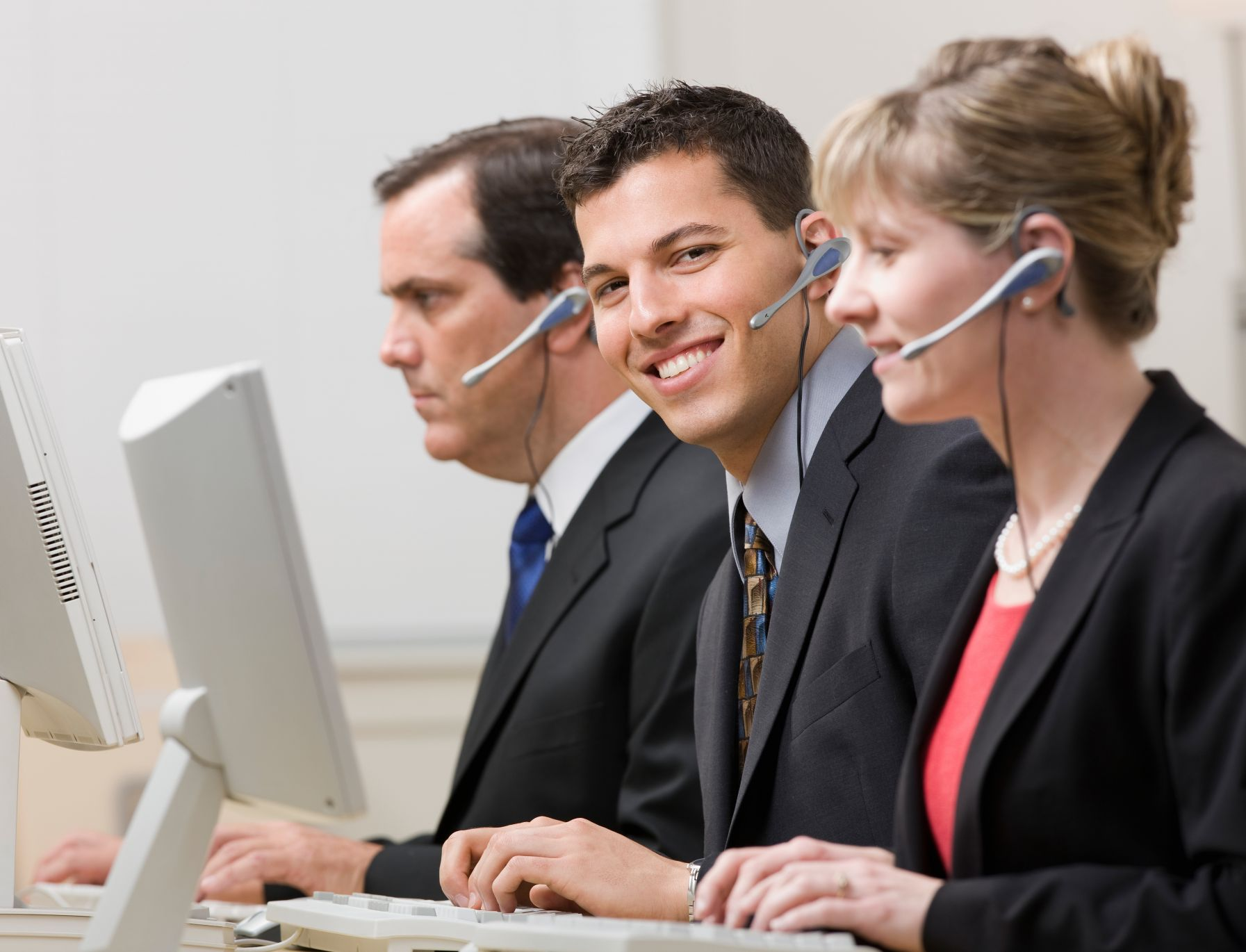 Top 5 Things To Count Upon When Choosing A Call Center Service Provider